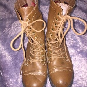 Shoes - Brown and plaid lace up boots